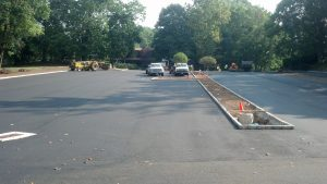 New Canaan sealcoating parking lot