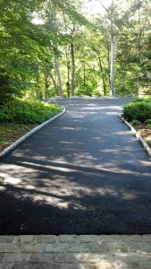 New Canaan driveway sealcoating